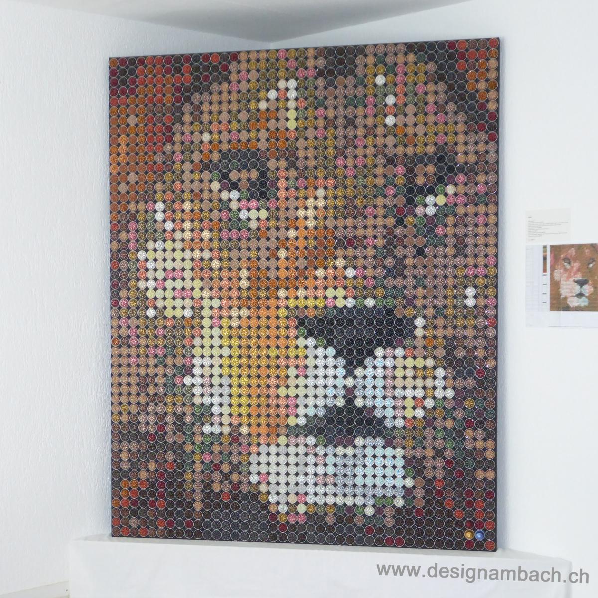 Löwe, Pixelbild, Bild aus Farbpixel, Nespresso Kapseln